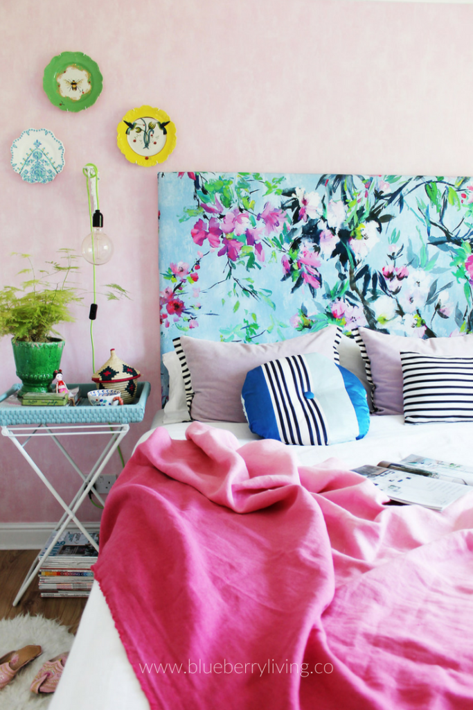 Do you know that happy feeling of going for a walk in the park during a perfect summer day, while enjoying your favourite ice cream? That's exactly what I was going for when I start designing our guest bedroom!